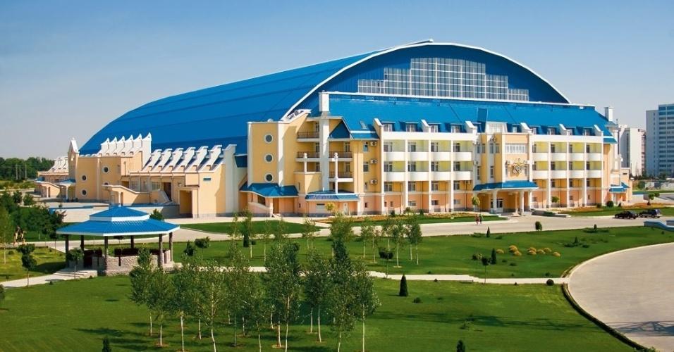 Clube conta com estádio coberto para a realizações de jogos no severo inverno moldavo