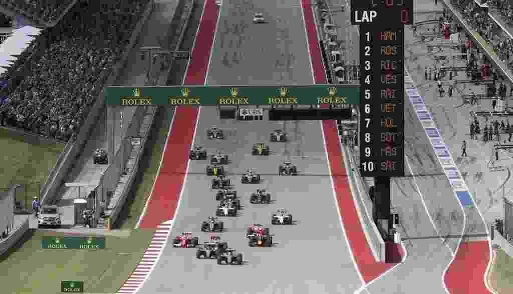 Pilotos aceleram na largada dos GP dos EUA, em Austin, capital do Texas - REUTERS/Adrees Latif