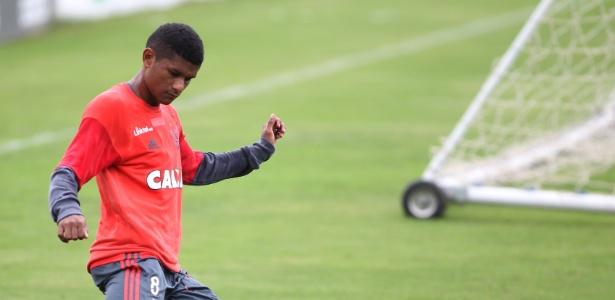 Márcio Araújo durante treinamento do Flamengo no Ninho do Urubu: novo contrato - Gilvan de Souza/ Flamengo