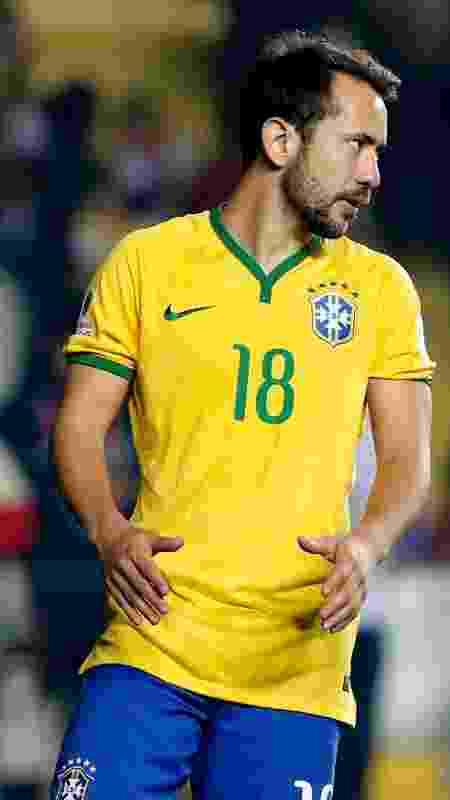 Everton Ribeiro, jogador da seleção brasileira, reage durante partida contra o Paraguai, pela Copa América de 2015 - REUTERS/Andres Stapff - REUTERS/Andres Stapff