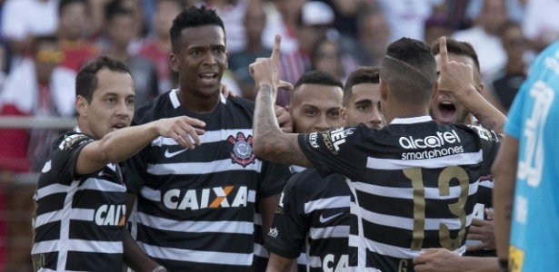 Gols em clássicos foram apenas uma das marcas de Jô na volta ao Corinthians