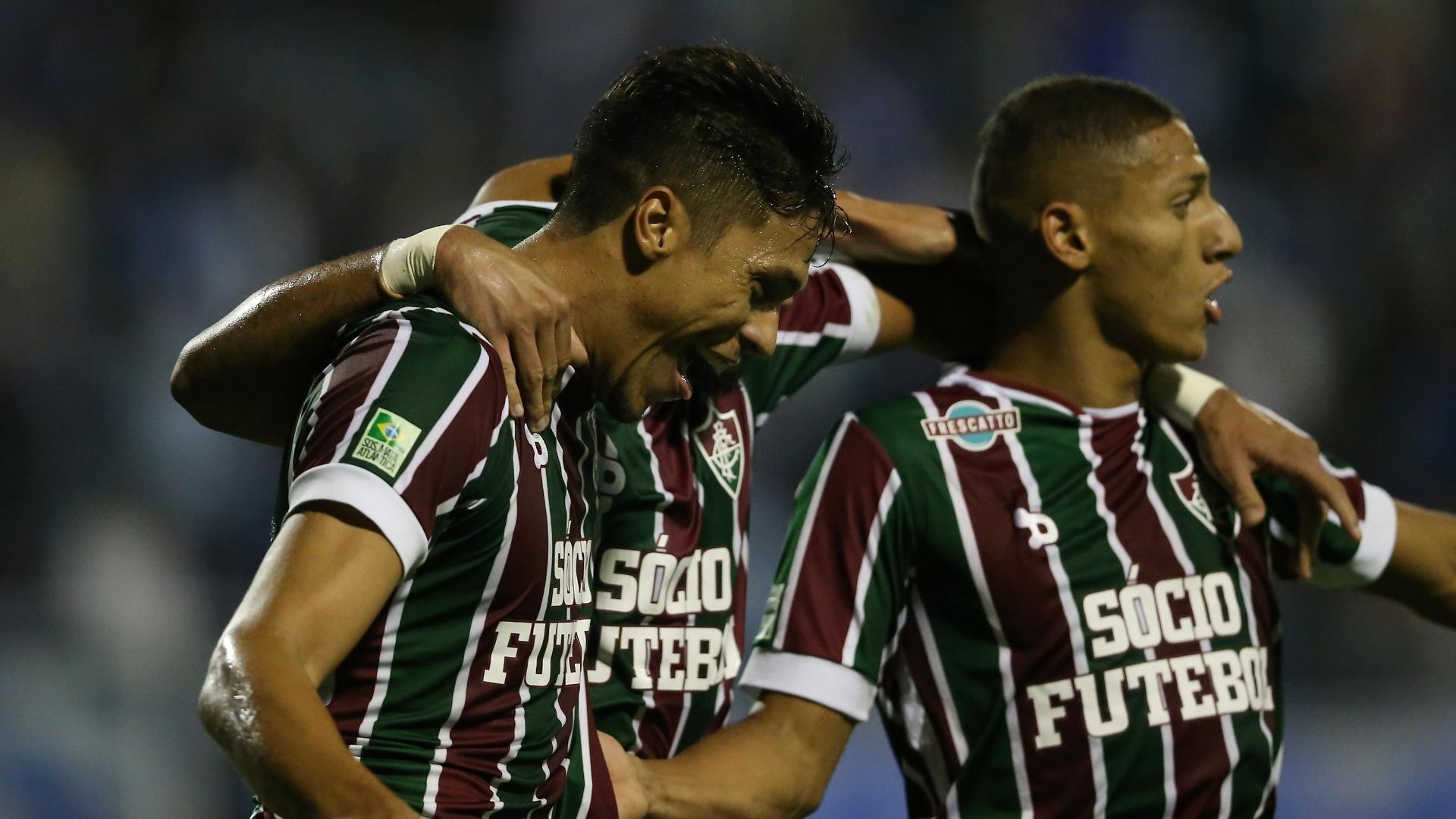 Reginaldo comemora segundo gol do Fluminense sobre o Avaí