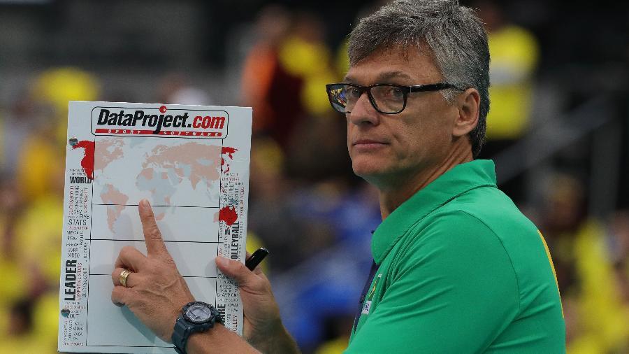 Renan Dal Zotto no duelo do Brasil contra o Canadá - FIVB/Divulgação