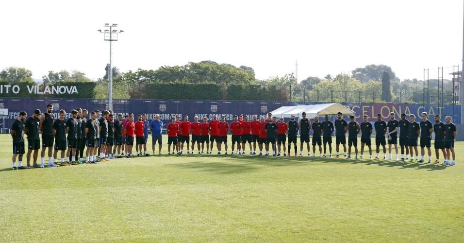 Barcelona faz minuto de silêncio antes de treino