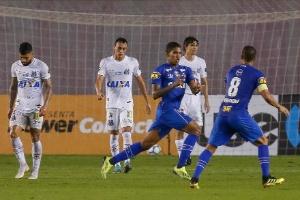 Raniel pede passagem, mas só deve voltar ao Cruzeiro contra o Fluminense (Foto: Marcello Zambrana/AGIF)