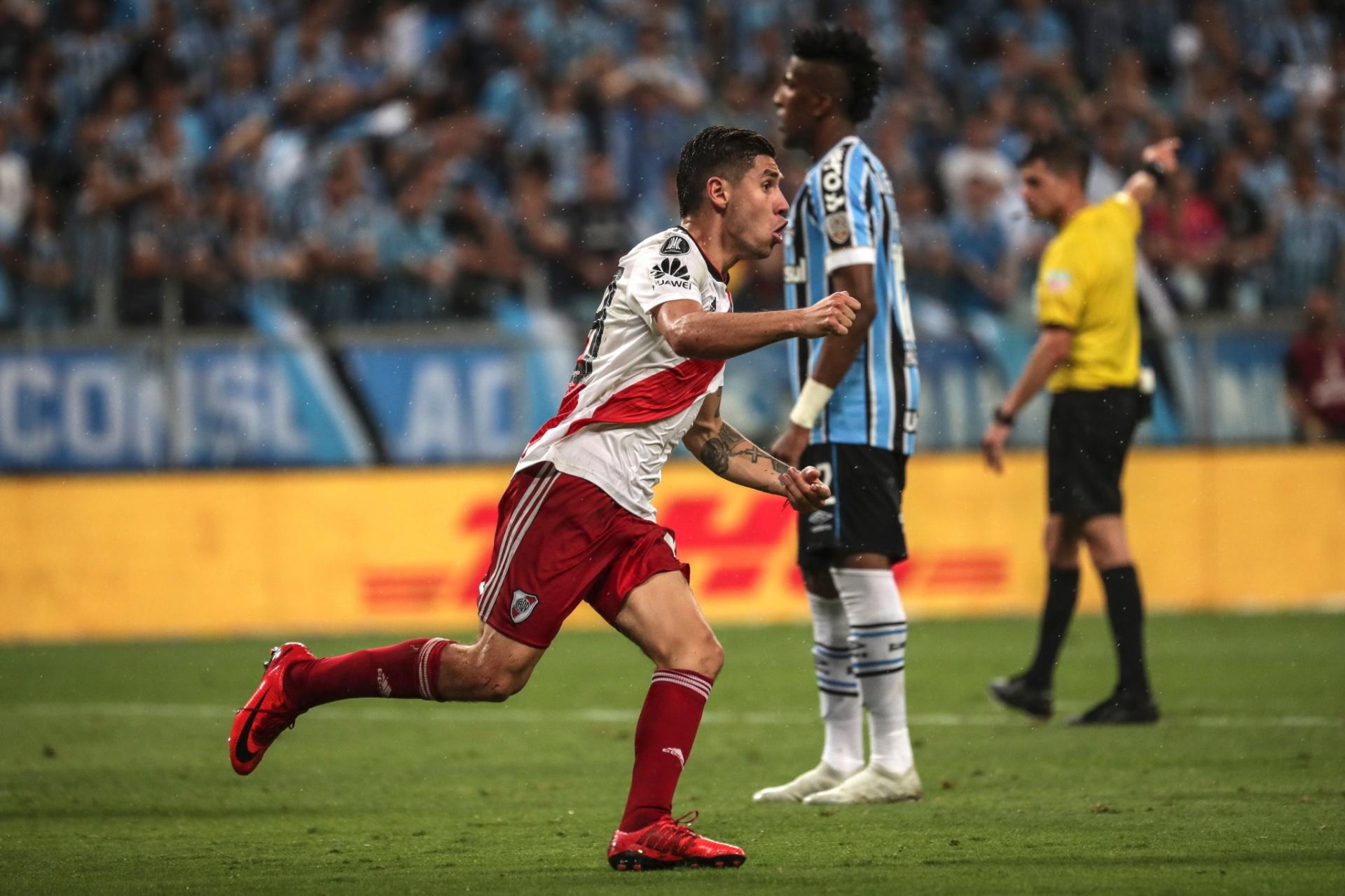 ff830064cd River vira sobre o Grêmio com pênalti marcado por VAR e vai à final -  30 10 2018 - UOL Esporte