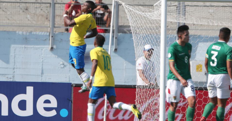 Lincoln comemora gol do Brasil contra a Bolívia