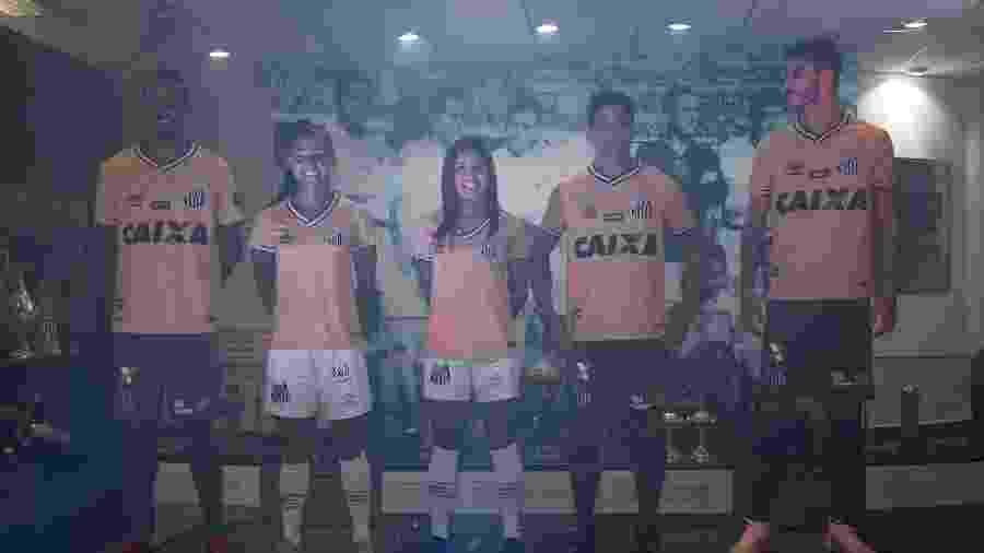 Santos deve lançar novo uniforme na primeira quinzena de março - 20 ... 789a0627ffc58