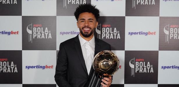 Bola de Ouro | Claudinho se vê no radar da seleção após prêmios e 'visitas' da CBF