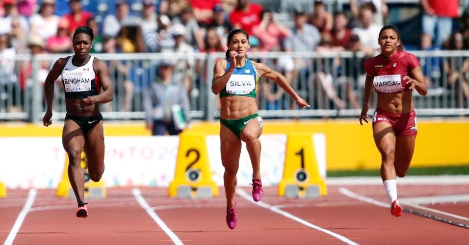 Ana Claudia Silva corre na bateria eliminatória dos 100m. Brasileira terminou na primeira colocação