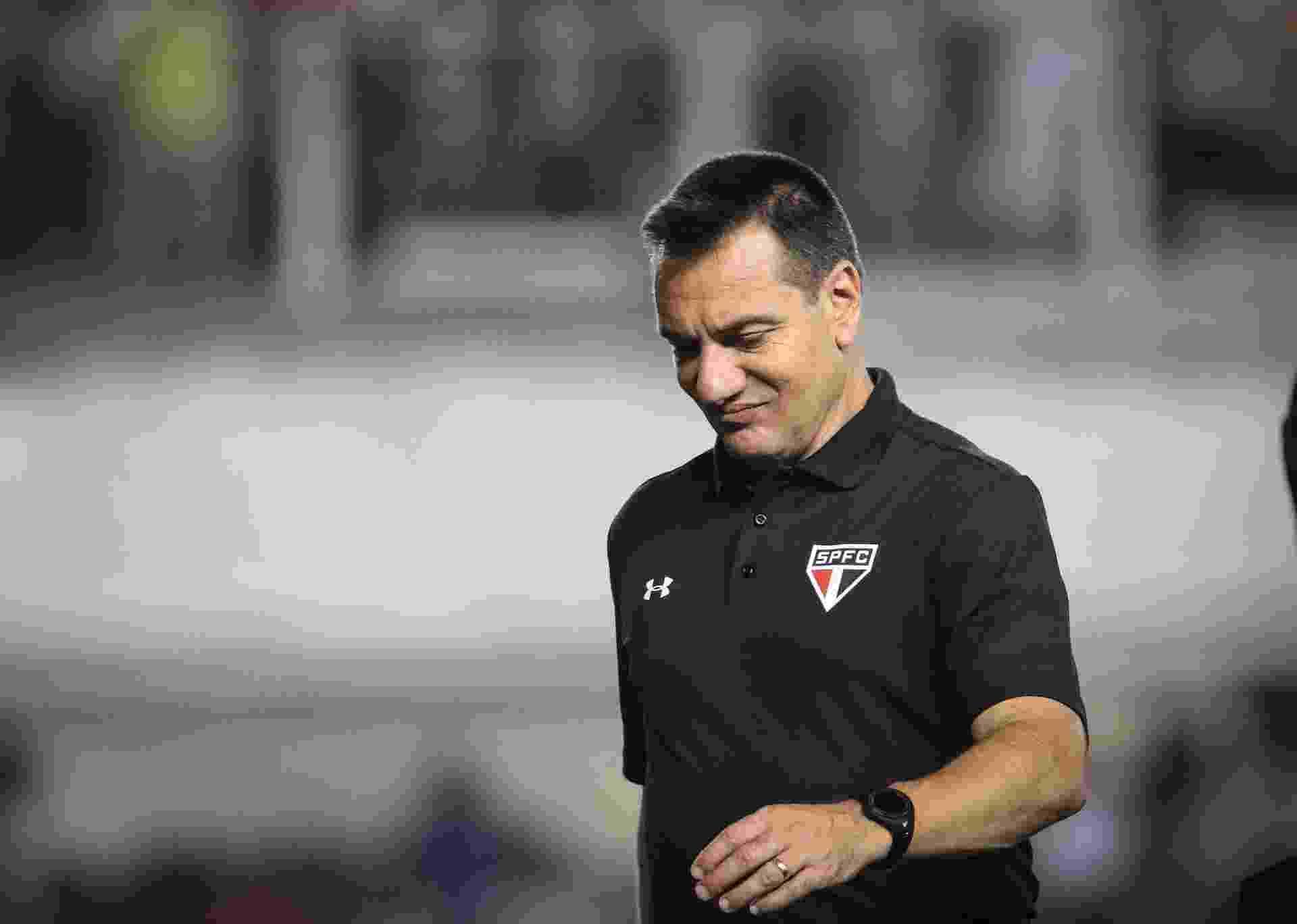 Doriva sai insatisfeito com o desempenho do São Paulo diante do Santos na primeira etapa no confronto válido pela Copa do Brasil - Ricardo Nogueira/Folhapress