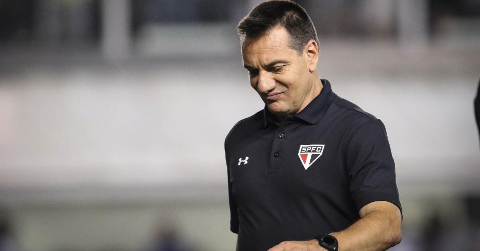 Doriva sai insatisfeito com o desempenho do São Paulo diante do Santos na primeira etapa no confronto válido pela Copa do Brasil