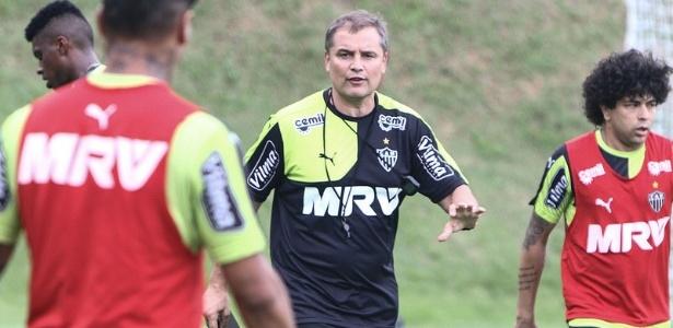 Diego Aguirre espera por reforços antes da estreia na Copa Libertadores