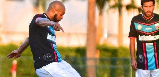 """Adriano """"Imperador"""" disputou apenas dois jogos oficiais com o Miami United"""