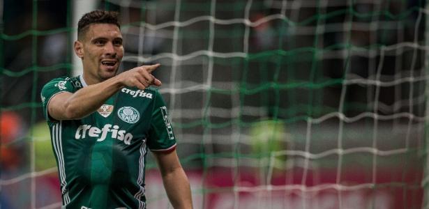 Moisés ressalta que o Corinthians é que precisa encostar no Palmeiras