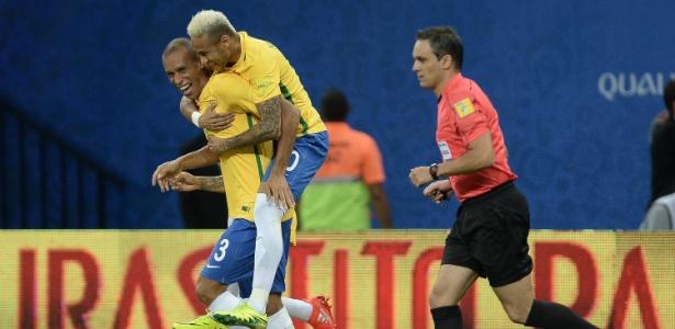 Miranda abriu o placar para o Brasil contra a Colômbia com apenas 1 minuto de jogo