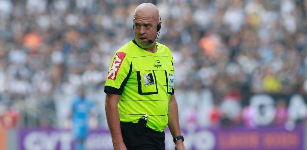 Árbitro Heber Roberto Lopes anulou equivocadamente gol do Goiás contra o Inter