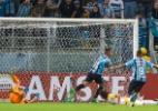 """Barrios freia euforia ao celebrar gols: """"É trabalhar que tudo acontece"""" - Jeferson Guareze/AGIF"""