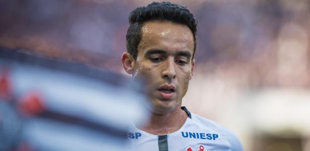 Uniesp estampou marca na omoplata da camisa do Corinthians durante parte do Paulista