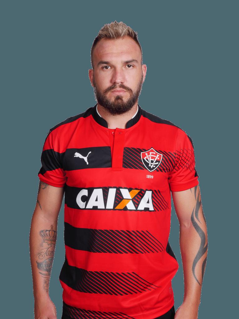 Willian Farias, volante do Vitória