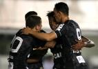 Após ressaca da Libertadores, Santos se recupera e bate Atlético-PR na Vila - GUILHERME DIONíZIO/PHOTOPRESS/ESTADÃO CONTEÚDO