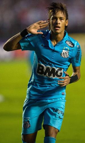 Neymar comemora após gol contra o São Paulo pelo Campeonato Paulista, em abril de 2012