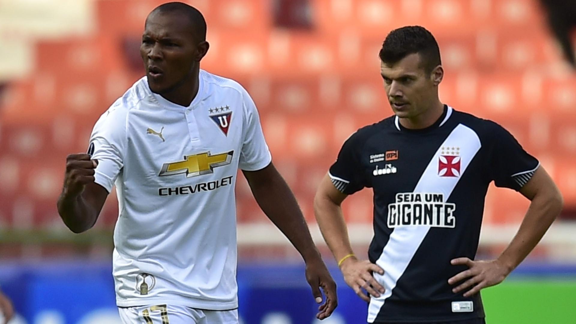 Juan Anangono comemora gol da LDU diante do Vasco, pela Copa Sul-Americana