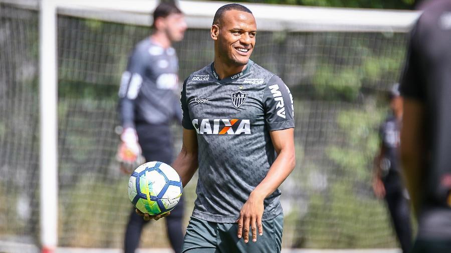 Patric, lateral do Atlético-MG, sofre com pressão da torcida - Bruno Cantini/Divulgação/Atlético-MG