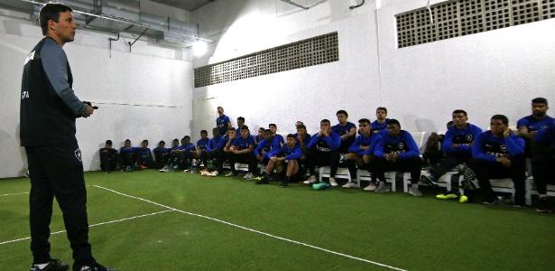 Zé pode trabalhar equipe do Botafogo com mais calma - VITOR SILVA/SSPRESS/BOTAFOGO