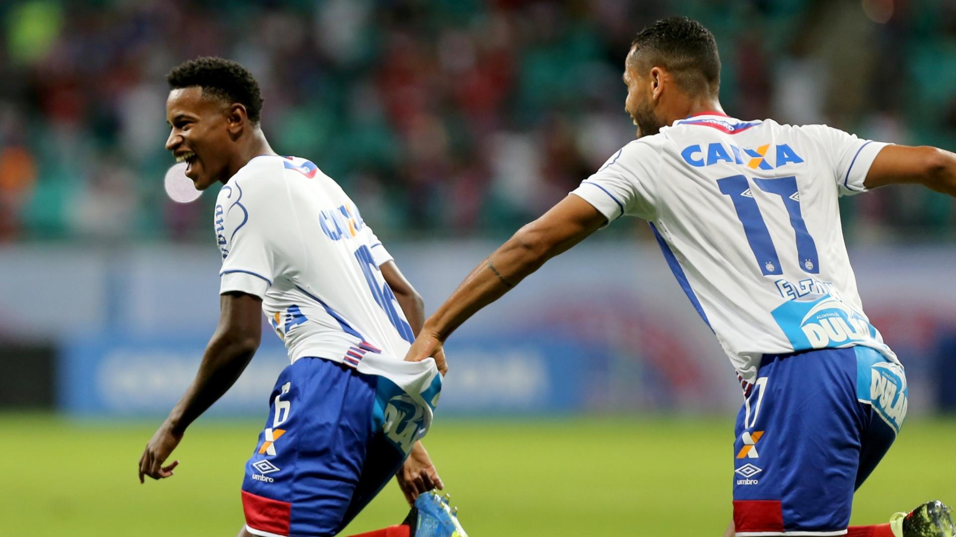 Ramires (esq). marcou para o Bahia contra o Botafogo