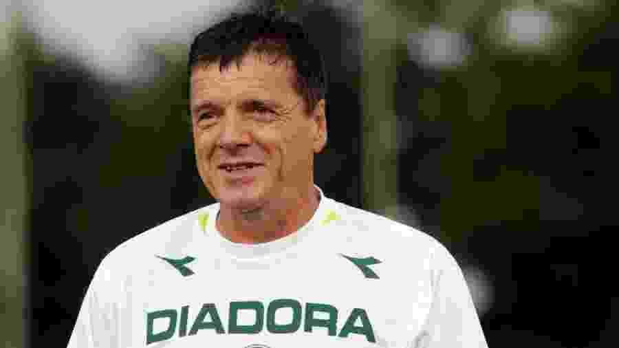 Jair Picerni como técnico do Palmeiras em 2003 - FERNANDO SANTOS/FOLHA IMAGEM