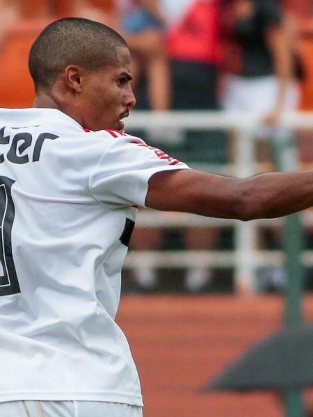 Gabriel Novaes comemora gol do São Paulo sobre o Vasco, em 2019 - Marcello Zambrana/AGIF