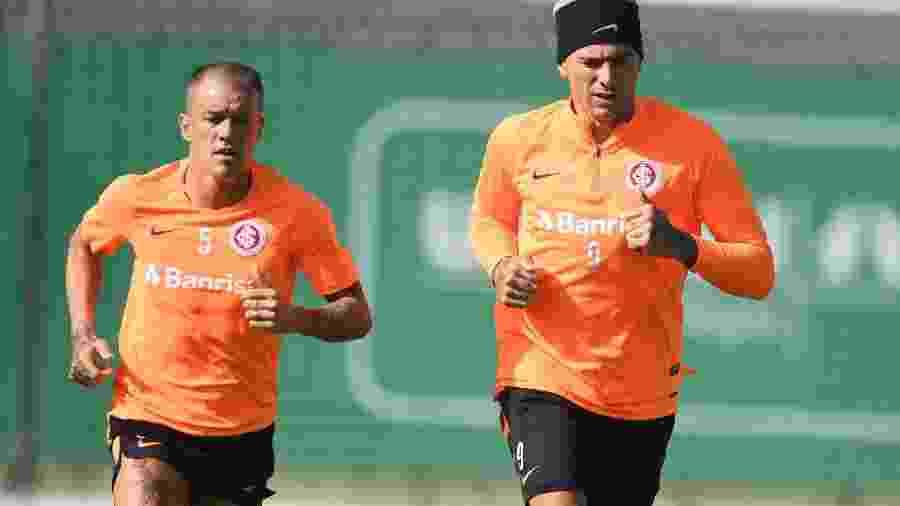 """D""""Alessandro (esquerda) volta ao time do Inter contra o Avenida? Odair faz mistério - Ricardo Duarte/Inter"""