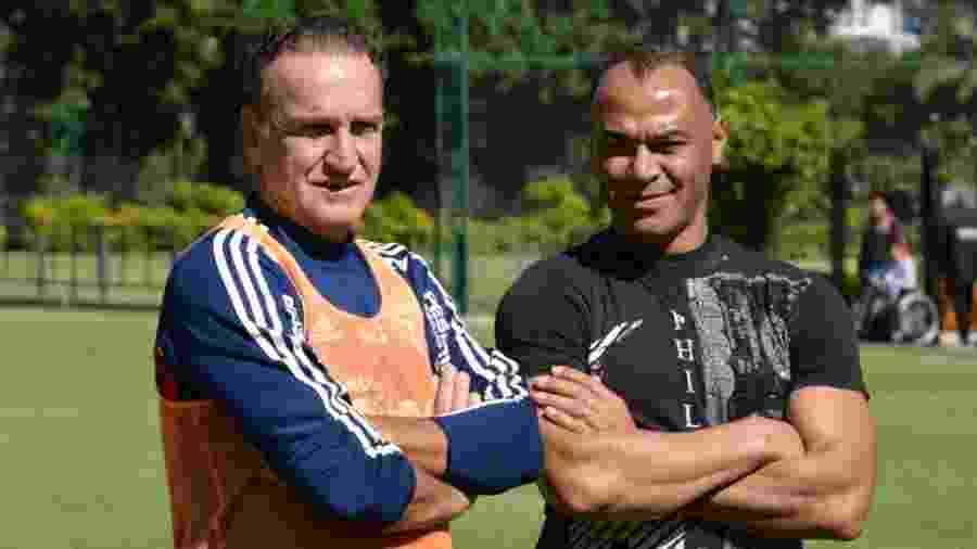 Cafu trocou ideias com Cuca e conversou com jogadores em visita ao CT são-paulino - Felipe Espindola / www.saopaulofc.net