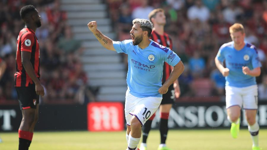 Sergio Agüero marca para o Manchester City contra o Bournemouth pelo Campeonato Inglês - Marc Atkins/Offside/Getty Images