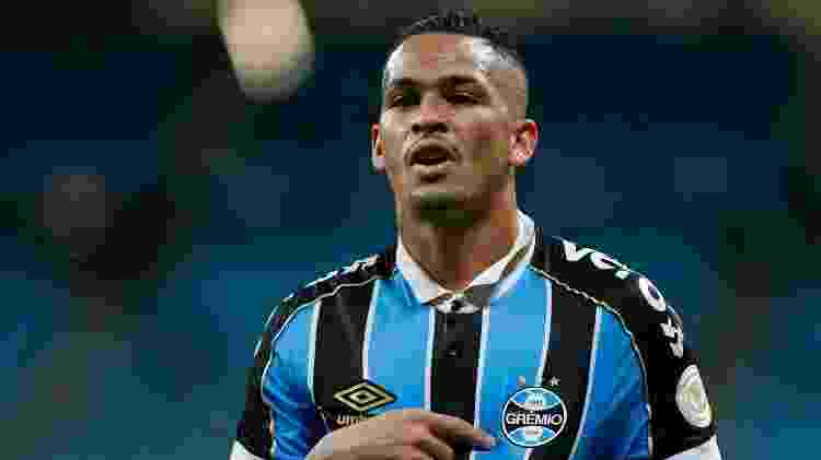 Luciano comemora gol do Grêmio contra o Avaí - Jeferson Guareze/AGIF - Jeferson Guareze/AGIF