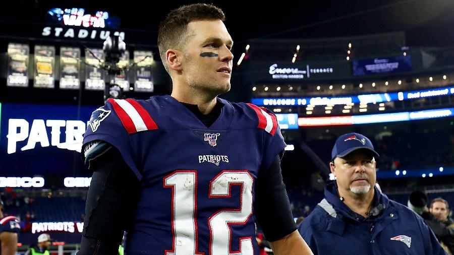 Tom Brady deixa o gramado após vitória do New England Patriots sobre o New York Giants - Adam Glanzman/Getty Images/AFP