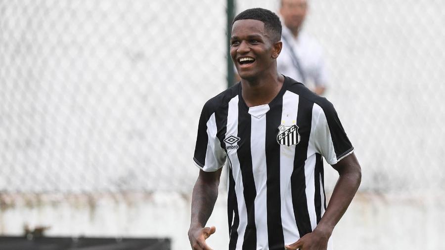 Renyer, atacante do sub-17, é uma das maiores promessas da base do Santos - Pedro Ernesto Guerra Azevedo/Santos FC
