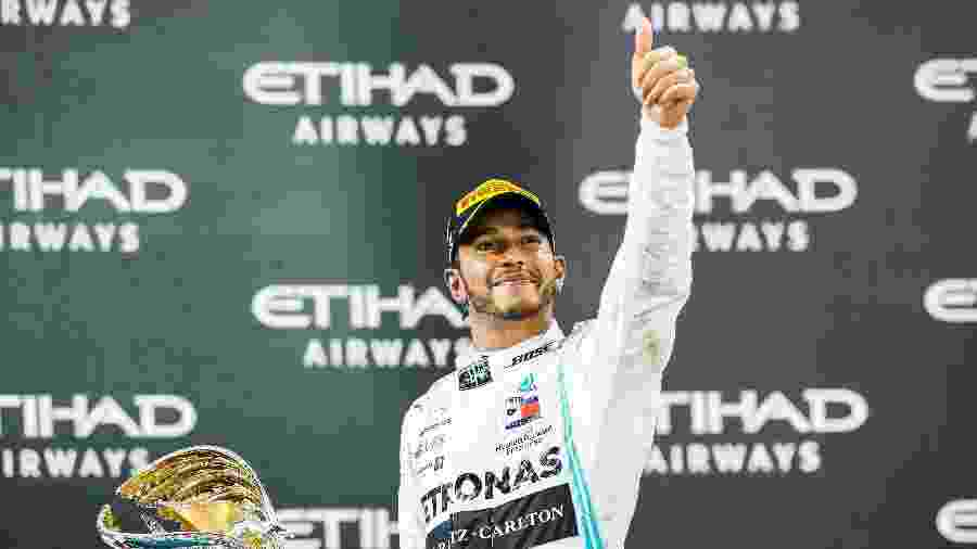 Hamilton celebra pódio no GP de Abu Dhabi - Peter J Fox/Getty Images