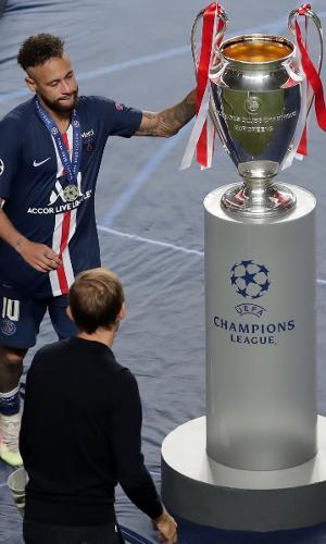 Neymar lamenta derrota na final da Liga dos Campeões