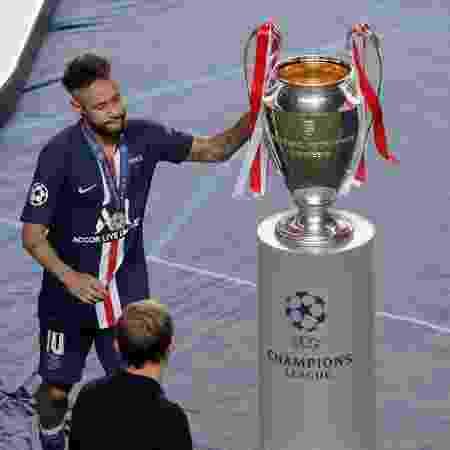 Neymar lamenta derrota do PSG na final da Liga dos Campeões - Pool/Getty Images