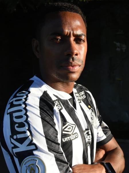 Robinho foi anunciado ontem pelo Santos - Divulgação/Santos FC