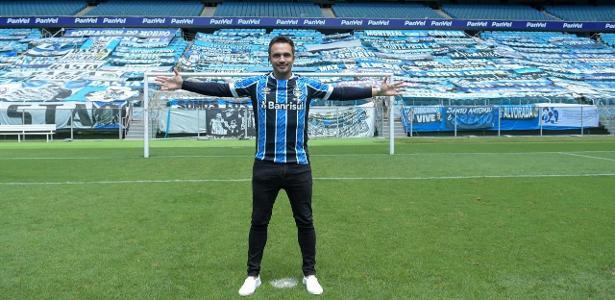 Falcão chega ao Grêmio com aval de Renato e de olho no Mundial da Rússia