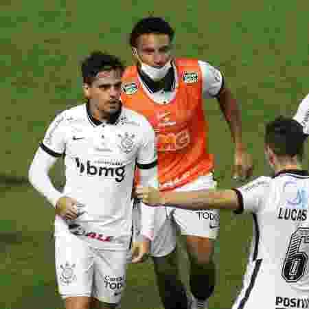 Jogadores do Corinthians celebram gol contra o América-MG, mas time caiu nas oitavas de final da Copa do Brasil  - Fernando Moreno/AGIF
