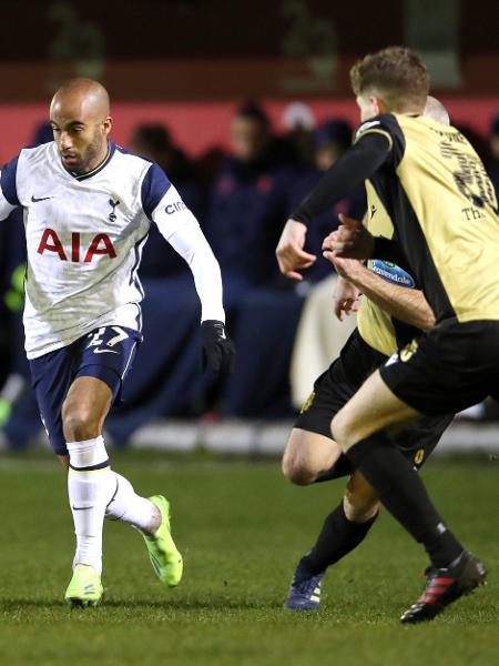 O brasileiro Lucas Moura fez um dos cinco gols do Tottenham diante do Marine  - Clive Brunskill / Reuters