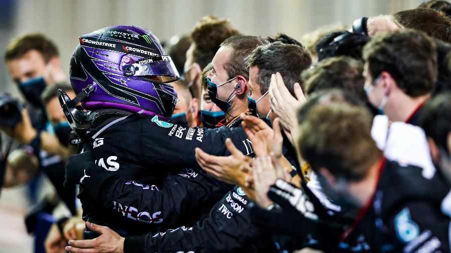 Britânico precisou segurar pressão de rival da Red Bull nas últimas voltas - Mark Thompson/Getty Images
