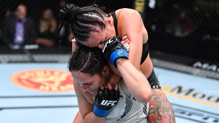 """Brasileira Lara Procopio é finalizada pela escocesa Casey O""""Neill no UFC Fight Night - Chris Unger/Zuffa LLC"""