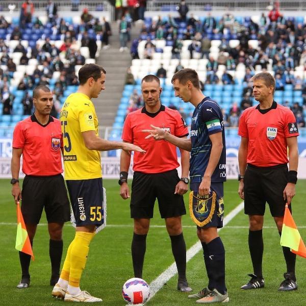 Os capitães do Krylya Sovetov e do Rostov disputaram pedra, papel ou tesoura no sorteio antes de jogo na Rússia