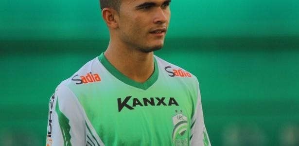Lucas Fernandes chamou a atenção do Avaí após boa Série B pelo Luverdense