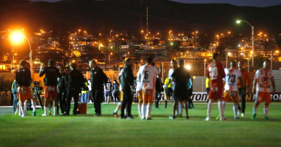 Estádio do Cobresal fica sem luz e jogo do Corinthians contra o Cobresal é interrompido